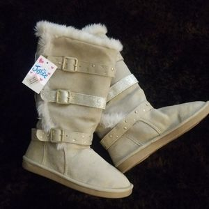 Justice Girls Sherpa lined Suede size 13 boots